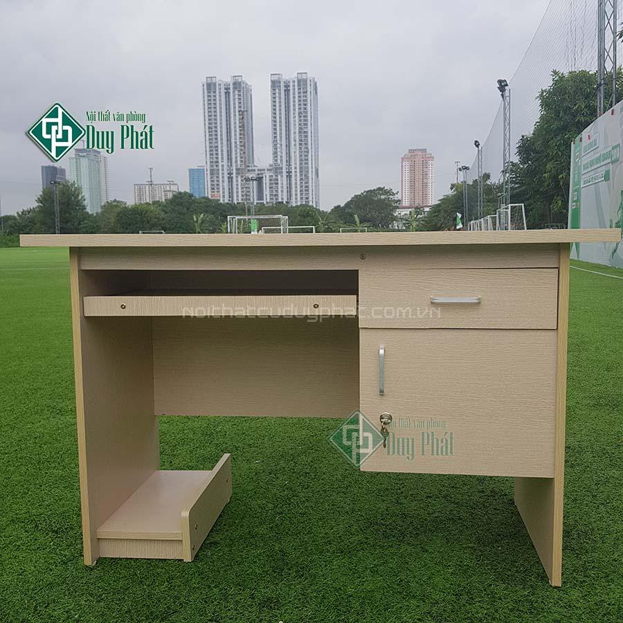 Thanh lý bàn văn phòng có hộc và ngăn kéo tại Hà Nội (BCG600)