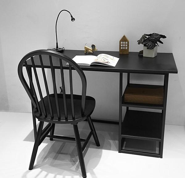 Mẫu bàn làm việc hiện đại có kệ để đồ
